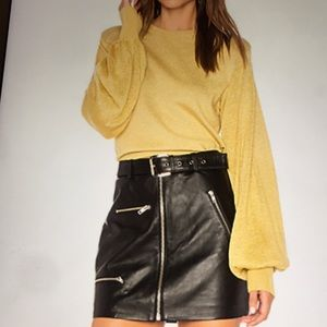 New- Free People- Pullover sweater in Gold